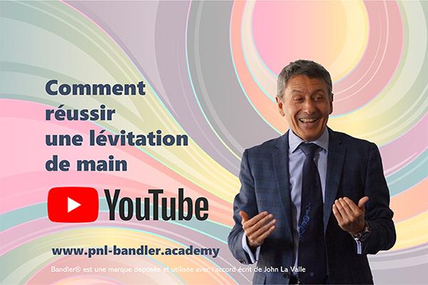 Dr. Richard Bandler utilise la lévitation de main aussi bien pour mettre un sujet en hypnose que pour lui permettre d'atteindre son objectif...